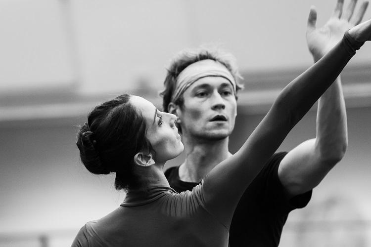 sbb-altro-canto-choreografie-jean-christophe-maillot-foto-yan-revazov-2541